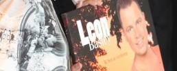 1e exemplaar uitgereikt aan Leon Basley door Eric van Eeten 19 okt 2014
